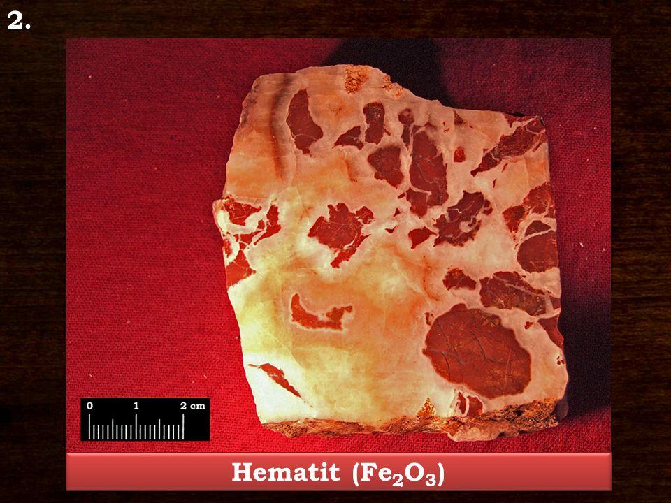 Hematit – Fe 2 O 3 Ásványosztály: Oxidok és hidroxidok Kristályrendszer: trigonális Jellegzetes kristályforma: táblás, dipiramis, romboéder Keménység: 6 – 6,5 Hasadás/Törés: nem hasad, törése egyenetlen, kagylós Szín: vörös, szürke, fekete Porszín: vörös Fény: fémfényűtől a fénytelenig Lelőhely: Recsk