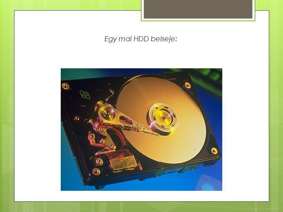 Egy mai HDD belseje: