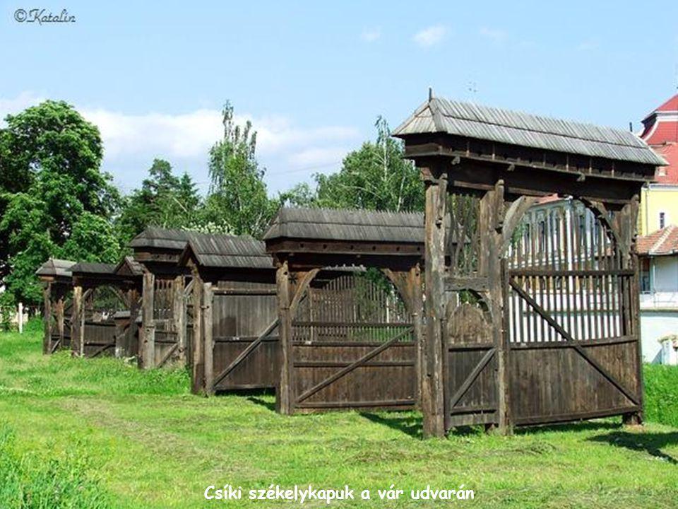 Skanzen a csíkszeredai Mikó-vár udvarán