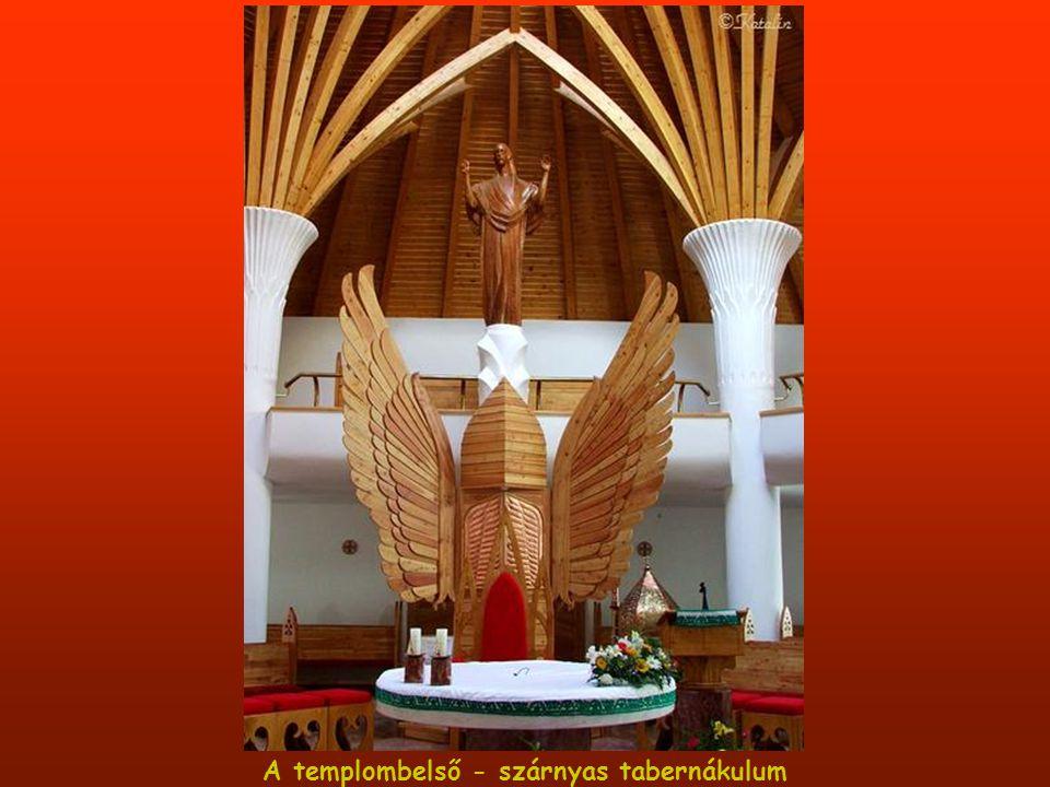 Makovecz Imre által tervezett Millenniumi templom Csíkszeredában