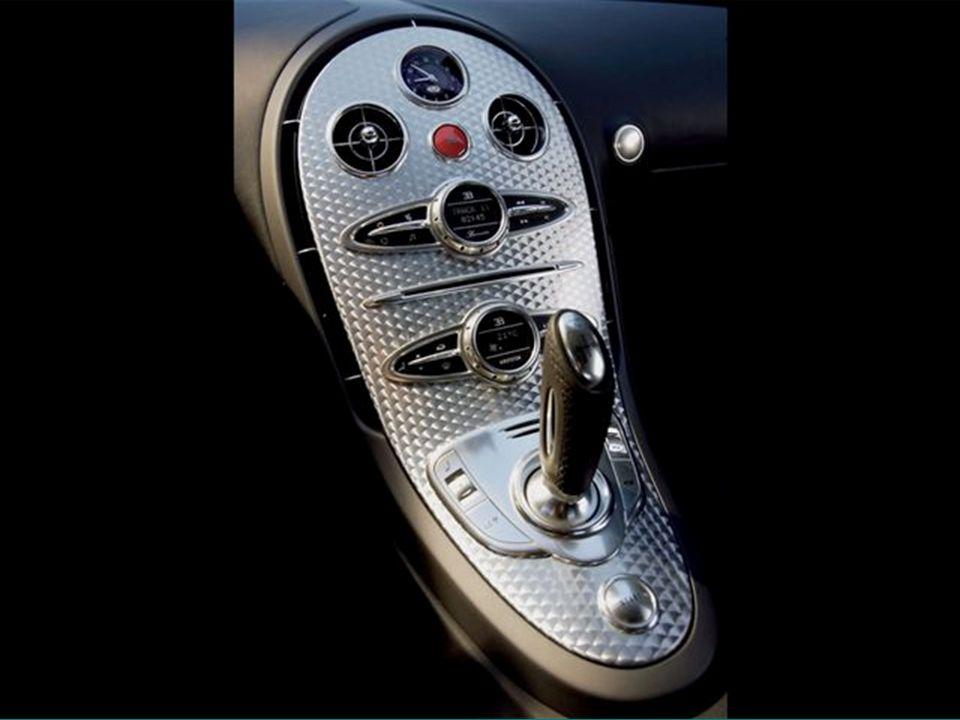 Ha egyszerre indítjuk egy McLarennel, akkor 500 méter után a McLaren 193km/h-val, a Bugatti pedig, 321km/h-val fog haladni ! Ha egyszerre indítjuk egy