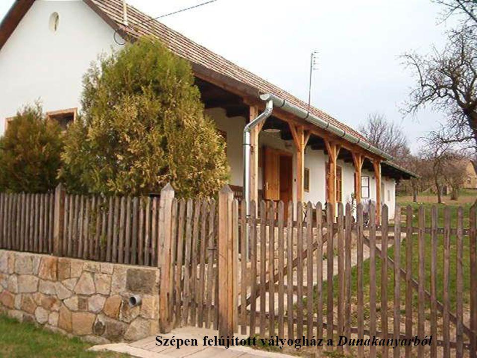Szépen felújított vályogház a Dunakanyarból