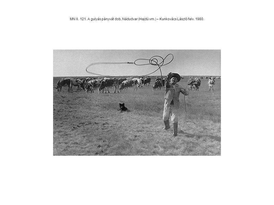MN II. 121. A gulyás pányvát dob, Nádudvar (Hajdú vm.) – Kunkovács László felv. 1980.