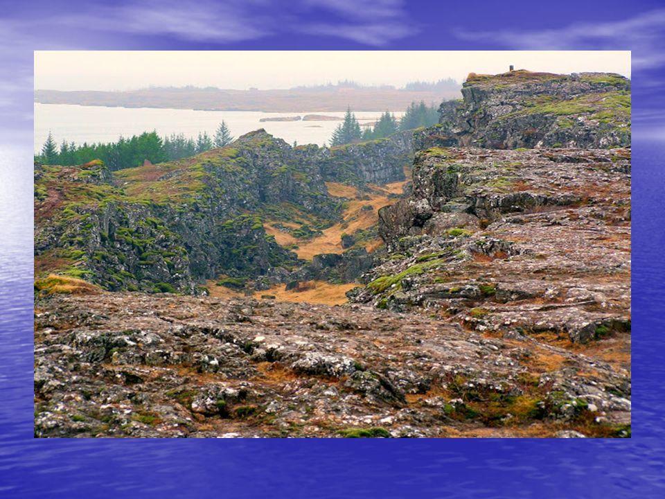 Kirándulások: Kirándulások: Valódi, érintetlen természetet csak a kirándulások során láthatunk: nemzeti parkok, vad vulkanikus táj, kristálytiszta tav