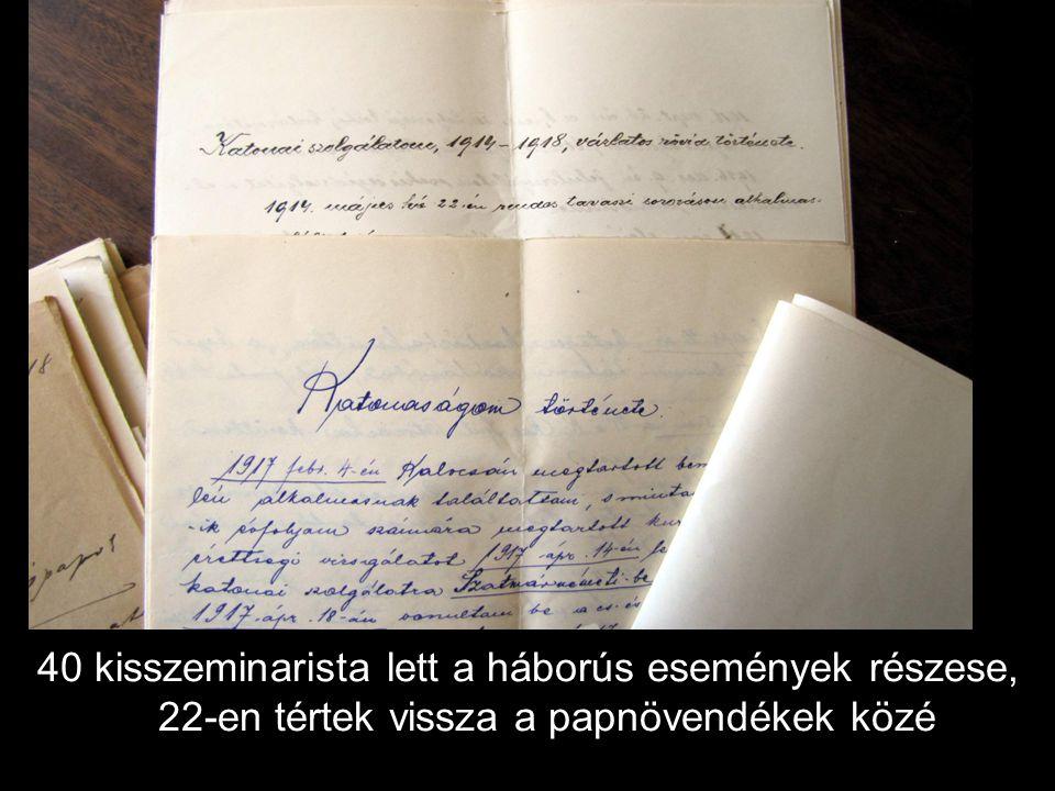 """""""Katonaszolgálatból visszatért kispapjaink – a szeminárium udvarán, 1919. március elején"""
