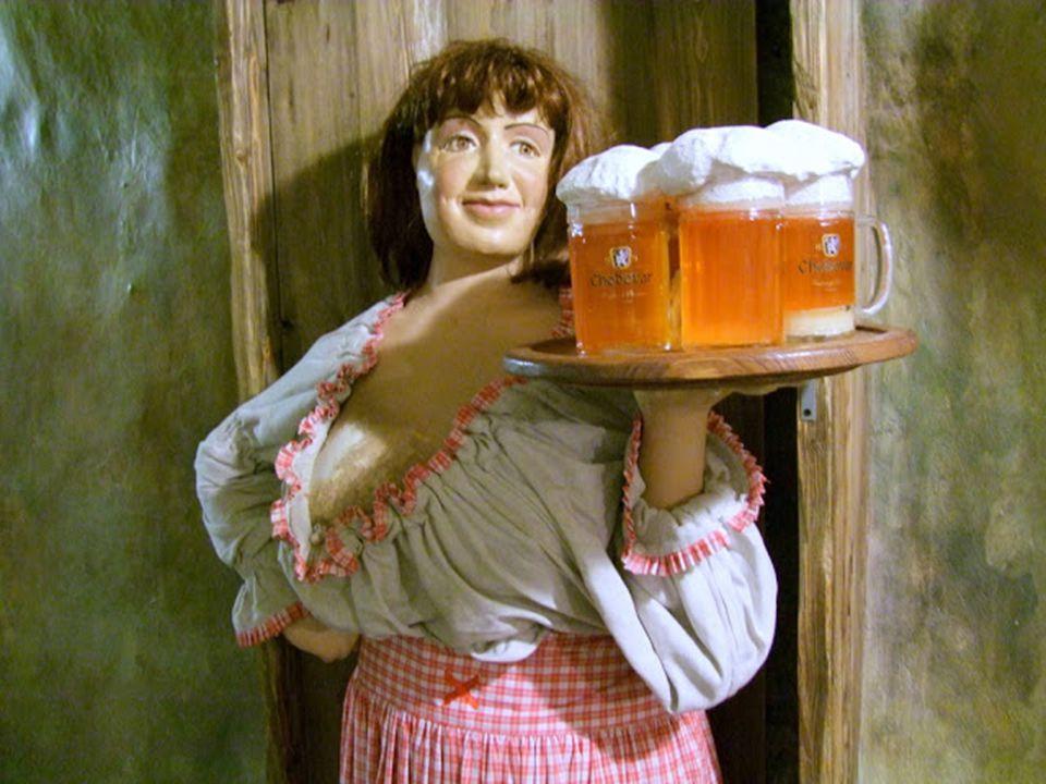 A sörívás gyakorlata: A csapolt sör márkáját az adott hely céhtáblája jelzi, más sörre ne számítsunk. A sört félliteres korsóból isszák, külön kell sz