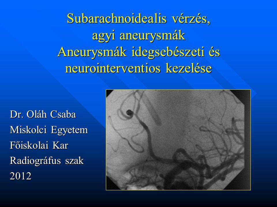 Vasospazmus TCD / transcranialis Doppler UH /-al lehet diagnosztizálni az agyi erekben a véráramlás sebességét, melyből lehet következtetni a érátmérőre TCD / transcranialis Doppler UH /-al lehet diagnosztizálni az agyi erekben a véráramlás sebességét, melyből lehet következtetni a érátmérőre CT igazolja a z emollitiokat és ezek nagyságát CT igazolja a z emollitiokat és ezek nagyságát DSA ismételt mutatja a spasmus mértékét és lehetőséget ad ballonos tágításra DSA ismételt mutatja a spasmus mértékét és lehetőséget ad ballonos tágításra
