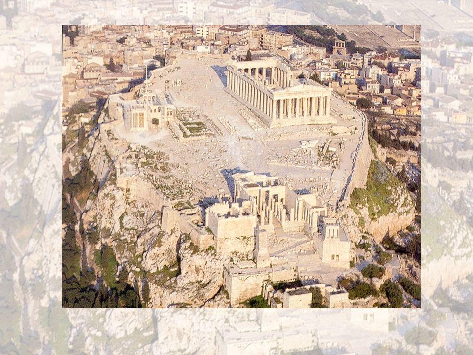 Az athéni társadalom szabadok teljes jogú polgárok arisztokraták A démosz tagjai betelepültek rabszolgák