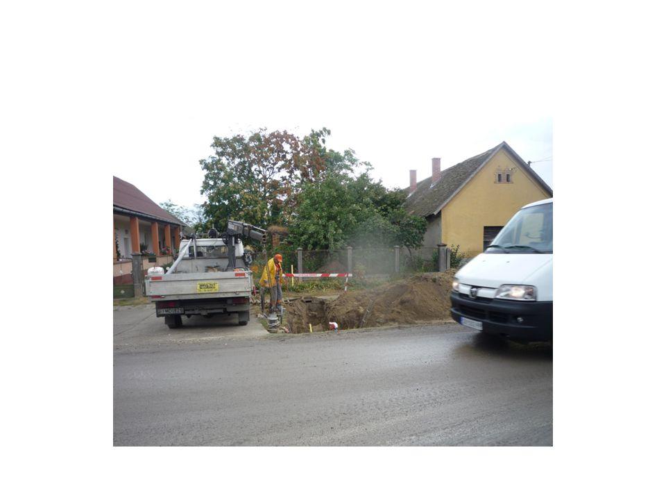 KIZSALUZÁS falzslu kontrazsaluzat rögzítése (daru) ankerek, elemcsoportok közötti kötőelemek oldása zsalutáblák elemelése, tisztítás, fektetett tárolás