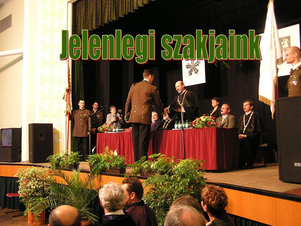 Erdőmérnöki Kar Jelenlegi szakjaink: okl.erdőmérnöki szak okl.