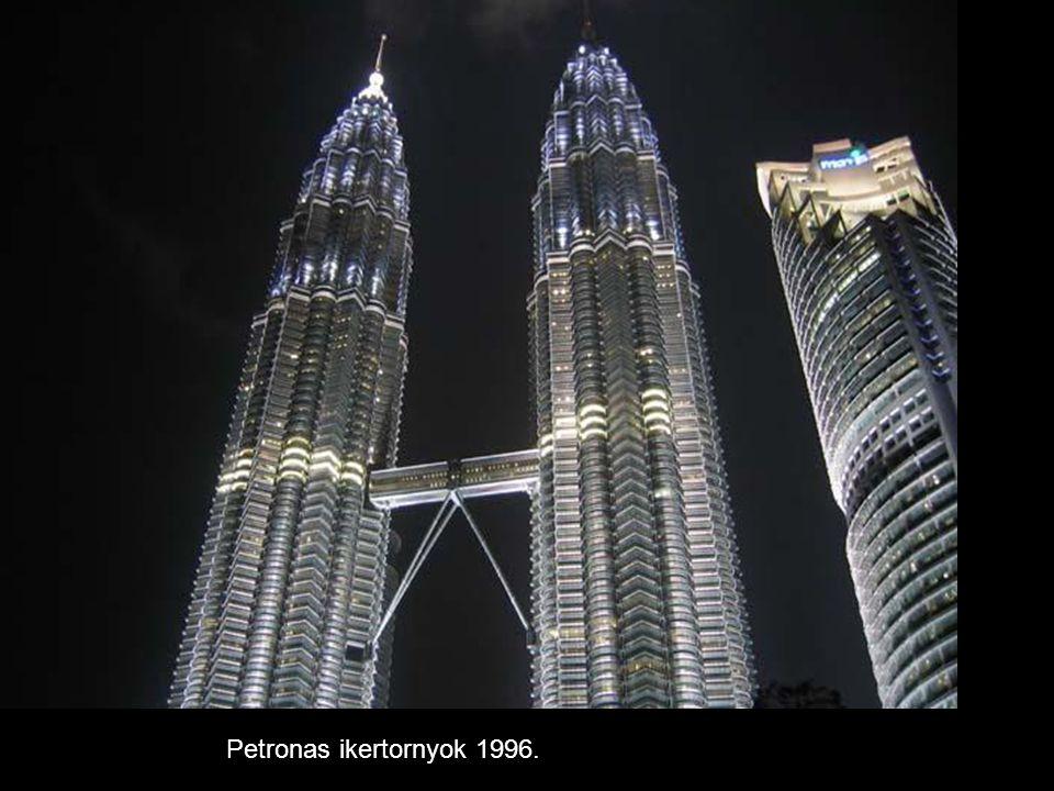 Petronas ikertornyok 1996.