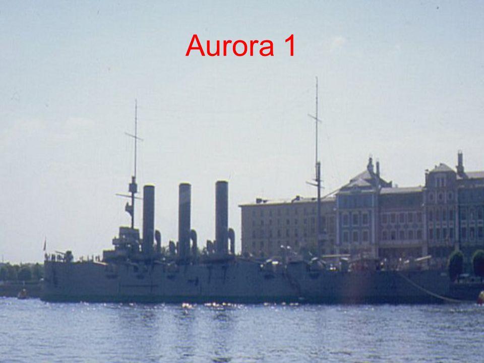 HMS INVINCIBLE (UK) TECHNIKAI ADATOK Vízrebocsátás: 1907Vízkiszorítás: 20421 t Sebesség: 25 csomóHossz: 172,8 mSzélesség: 23,9 mSzemélyzet: 784 főFegyverzet: 8 db 30,5 cm-es L/45 ágyú ; 16 db 10,2 cm-es L/50 ágyú ; 1 db 10,2 cm-es légvédelmi ágyú ; 1 db 7,6 cm-es légvédelmi ágyú ; 5 db 45,7 cm-es torpedóvető cső TÖRTÉNETE Az Invincible és testvérhajói egy teljesen új kategóriát képviselnek a hajóépítésben.