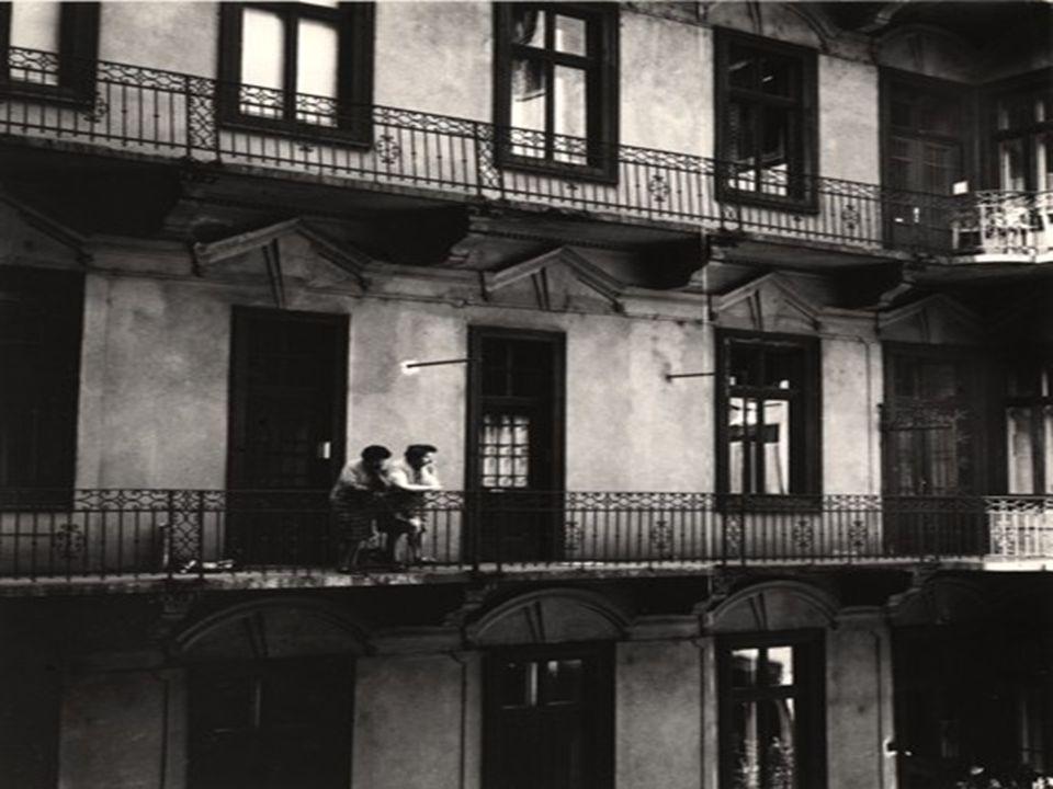 A regénytér és a regényidő és ezek összefüggése néhány motívummal I. A regény szereplői budapestiek, a XIII. kerületben, Angyalföldön élnek. Szűk vilá
