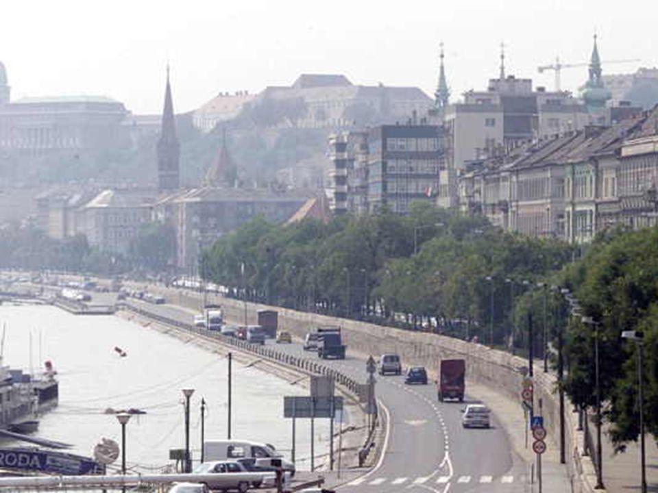 3 4 Csővégi megoldatlanság – továbbá a főgyűjtő csatorna és a központi szennyvíz-tisztító évszázados álma 4 A rakpart változó szerepe a város életében 4 A tervezett 2x2 sávos út a forgalmi problémák megoldására 4 Az UNESCO és az ICOMOS szakértőinek a jelentése 4 A jelentés hazai interpretációja 4 Jelenlegi kilátások A budai alsó rakpart esete