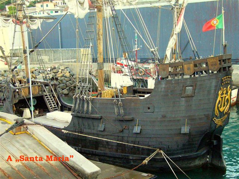 """Kolombusz """"Santa Maria"""" hajójának élethű másolata"""