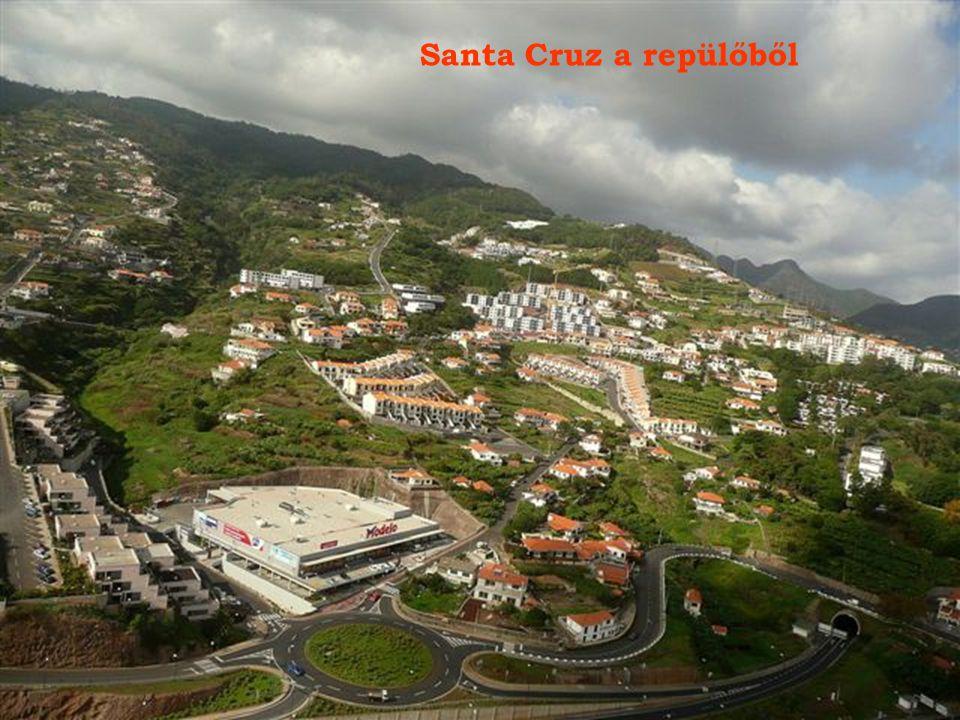 Búcsúpillantás Porto Santo 8 km hosszú, gyö- nyörű, homokos partjára.
