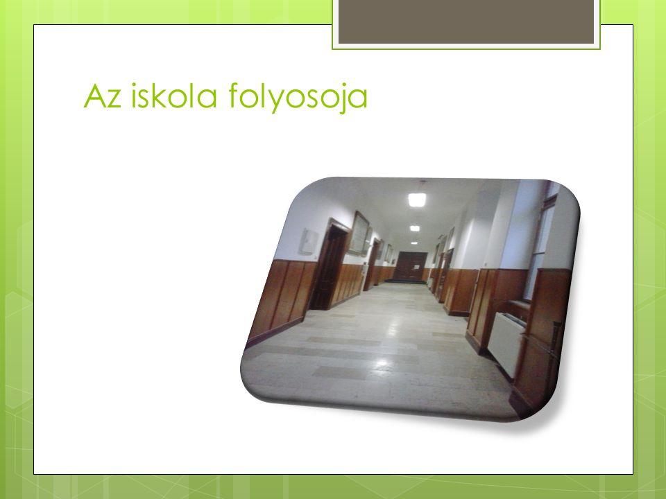 Az iskola folyosoja