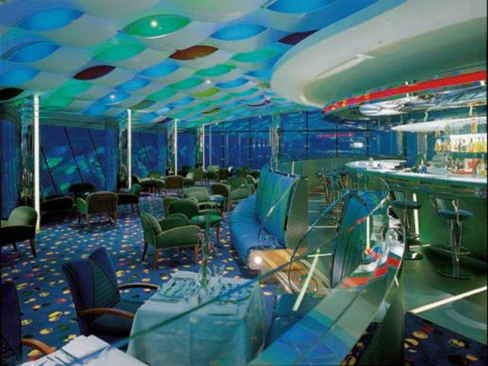 A Burj el Arab hotel látképe