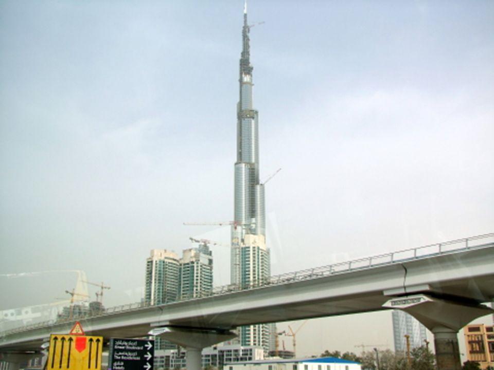 """A Palm Jumeirah ötlet sikerén felbuzdulva, újabb projektek indultak be. Különlegességként említhetjük a """"The World"""" mesterséges szigetcsoportot, mely"""