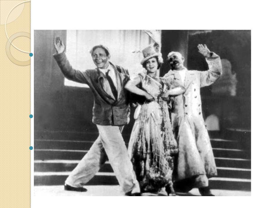 Népszerűsége a 30-as években szilárdult meg, amikor szerepet vállalt Ljubov Orlova partnereként a Vidám cimborák című filmben A filmben több híres dala is elhangzik, többek között a Szív és a Csalóka napfény A második világháború idején Utyeszov a fronton harcoló katonáknak énekelt