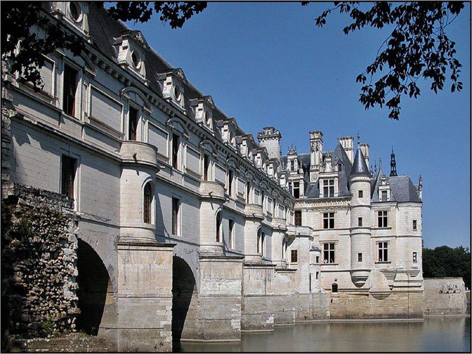 Miután 1559-ben, egy lovagi tornán, Gabriel de Montgomery, a skót gárda kapitánya halálosan megsebesítette II. Henriket, felesége, Medici Katalin lett