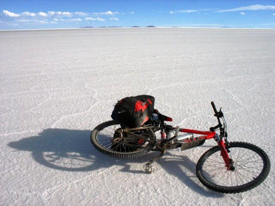Id ő vel ez a hely lett Bolívia egyik főfő idegenforgalmi attrakciója amit kb.