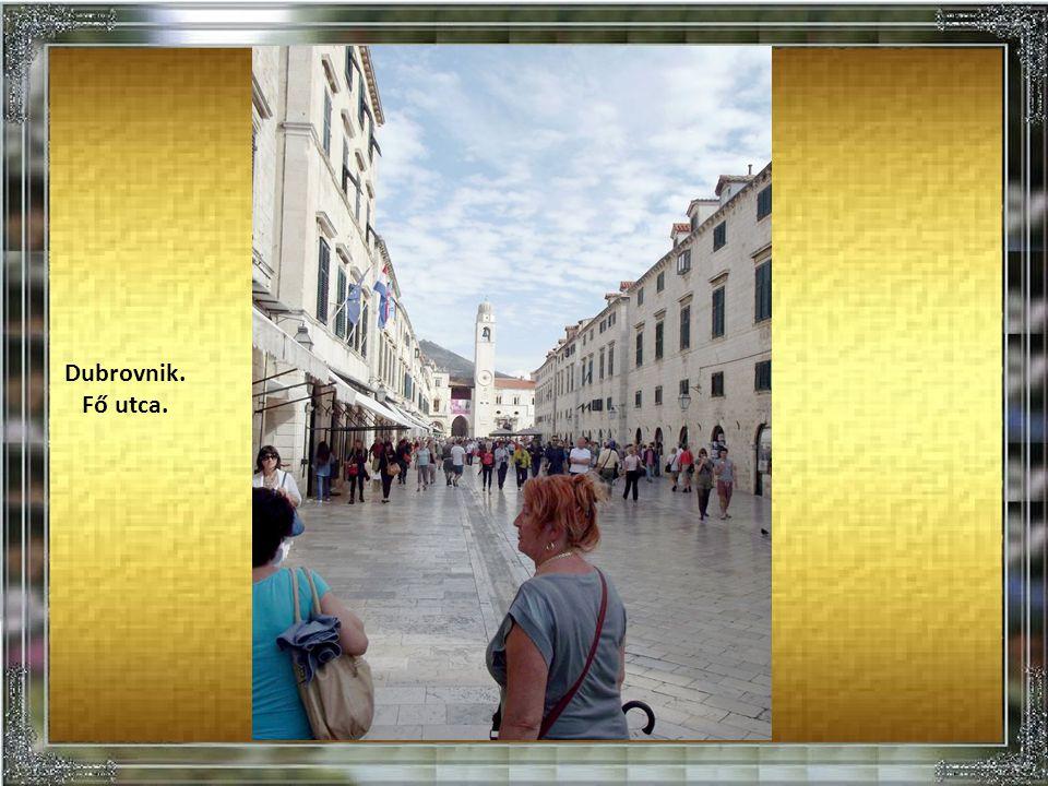 Dubrovnik. Jellegzetes utcakép.