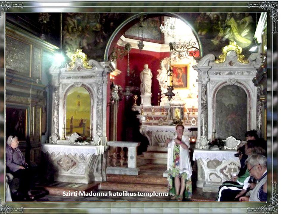 Szirti Madonna katolikus temploma.