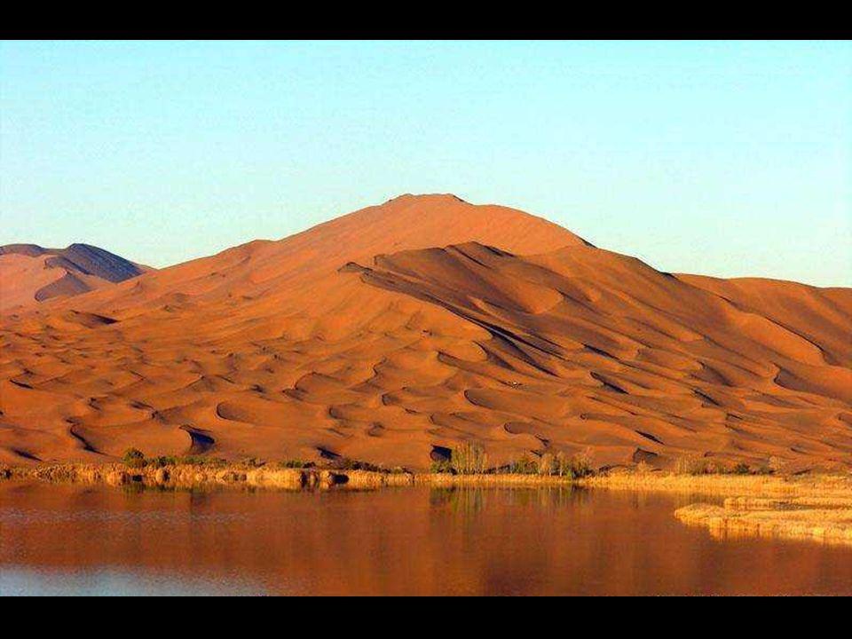 Az eredmény - egy nem mindennapi, varázslatos, lagúnákkal teletűzdelt sivatag.