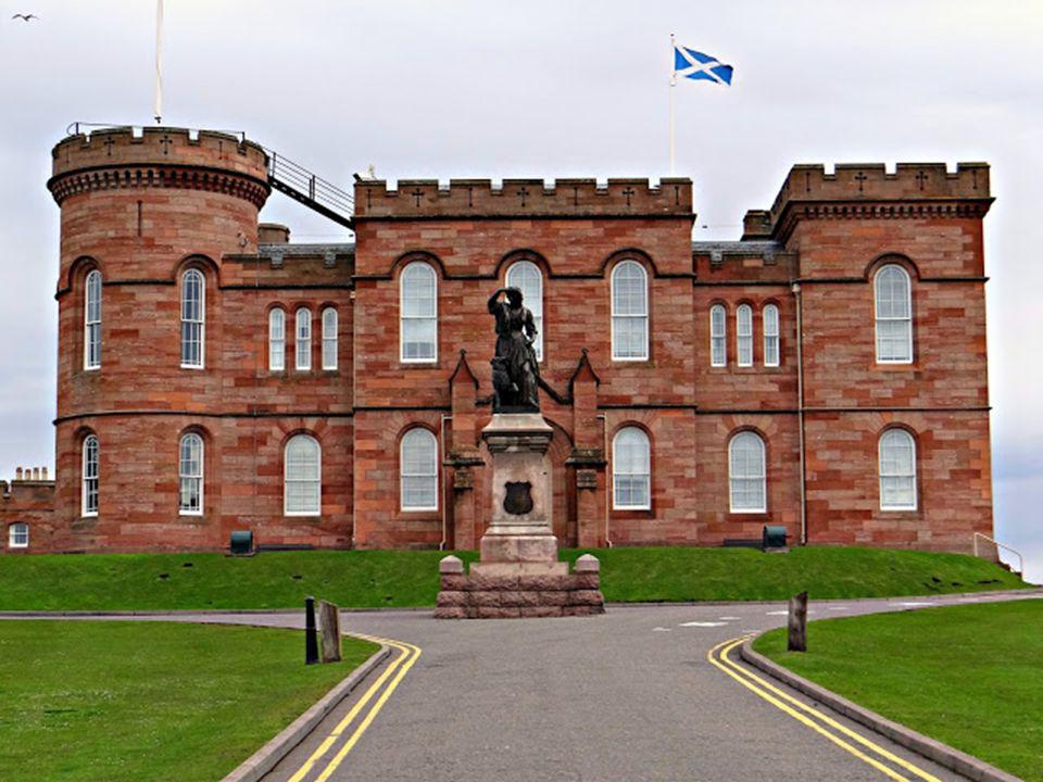 Inverness: A Ness folyó torkolatánál fekvő Invernesst a Skót-Felföld fővárosának tartják. Nyugat-Európa leggyorsabban növekvő városa: lakossága várhat