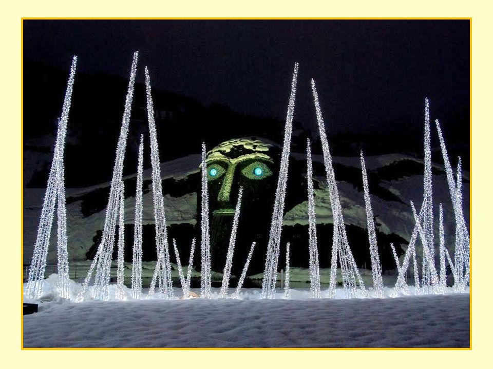 A múzeum egy tágas zöld völgyben épült, csodás kilátással az Alpokra.